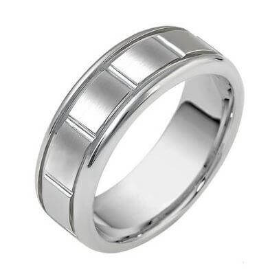 Carved & Engraved 18ct 2246000