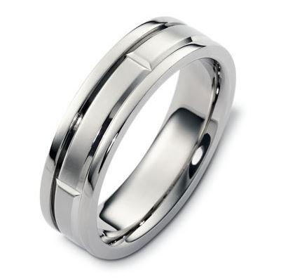 Carved & Engraved 18ct 2560000