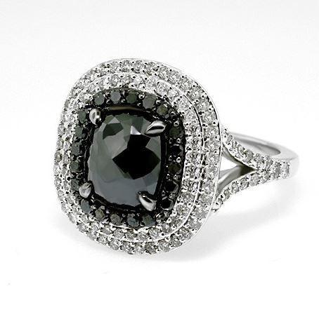 18ct White Gold Black And White Diamond Ring FJ0111