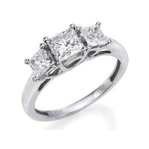 18ct White Gold Princess Cut Diamond Ring D)19230