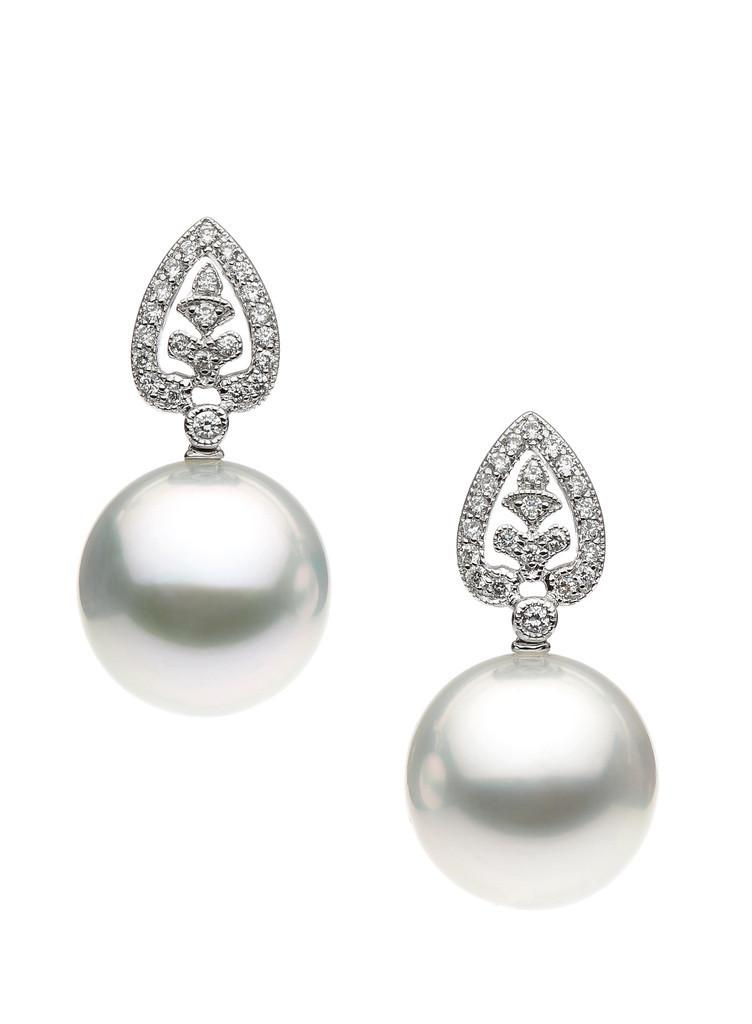 Pearl and Diamond Earrings.