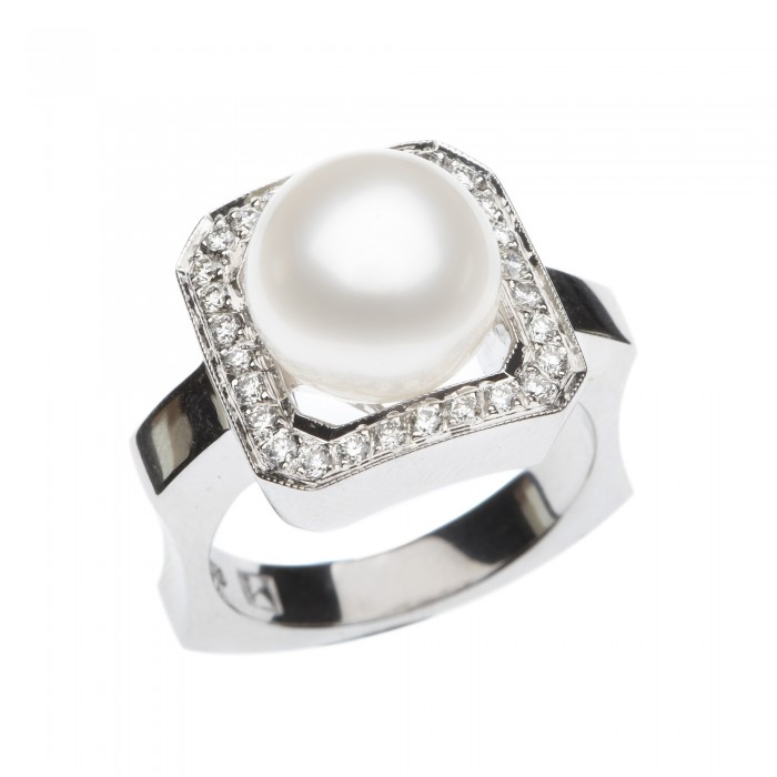 Kailis Decadence Pearl and diamond ring
