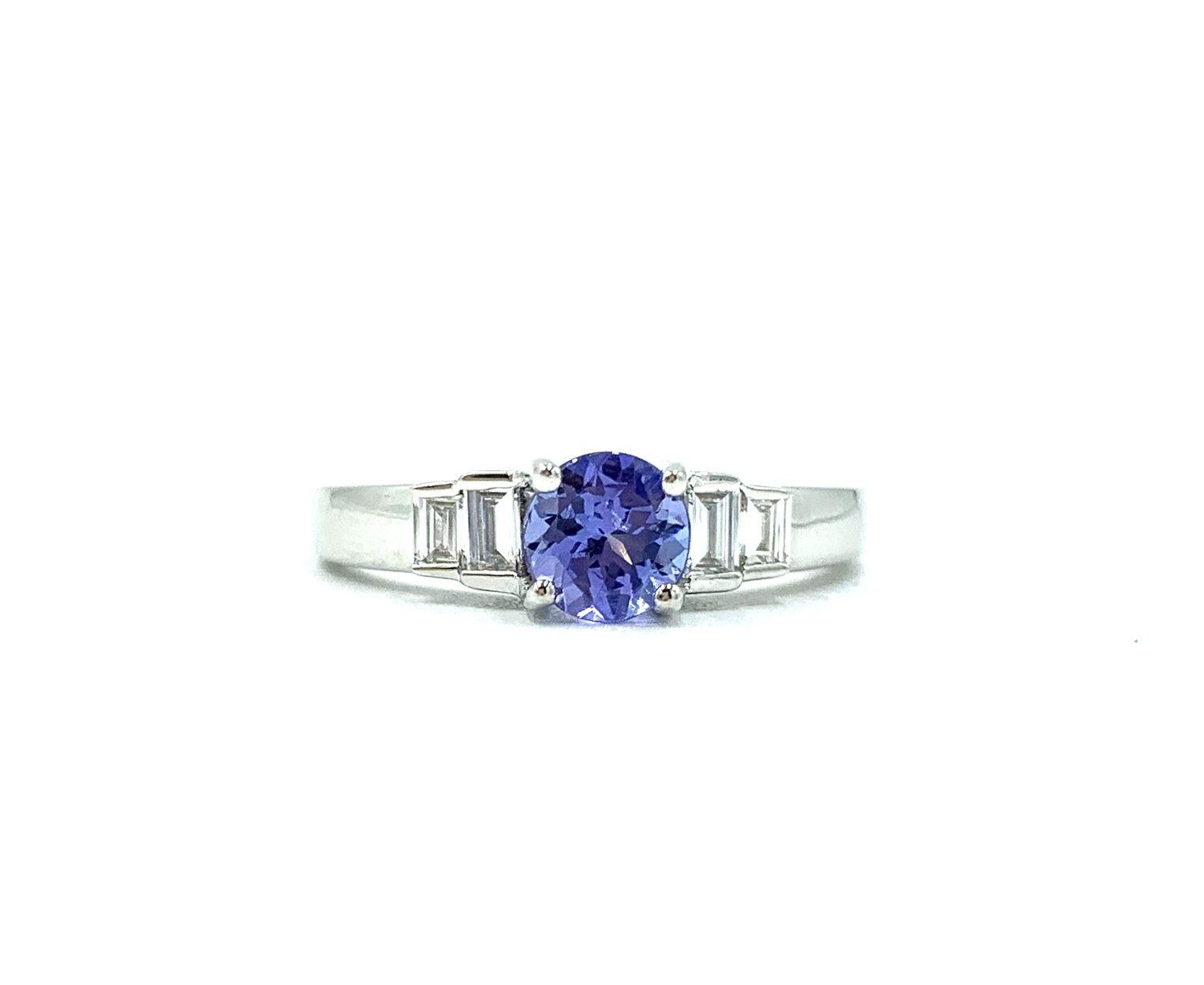 18ct White Gold Tanzanite