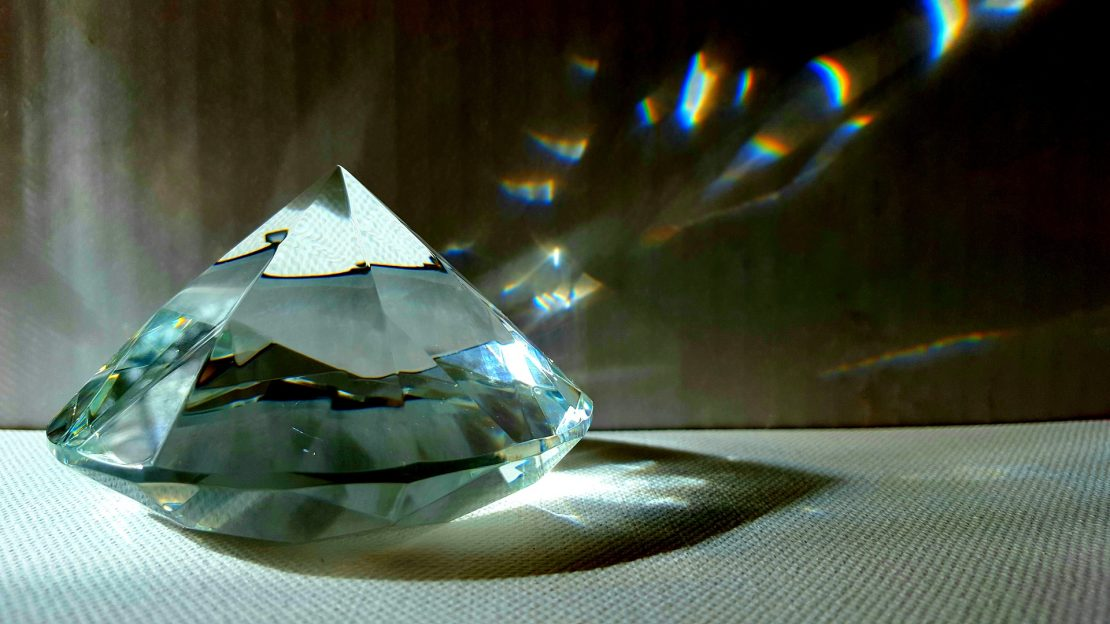 Diamond Geometric Light